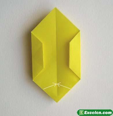 手工折纸郁金香的折法展示