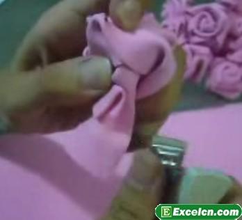 海绵纸折玫瑰花图 如何用海绵纸折玫瑰花